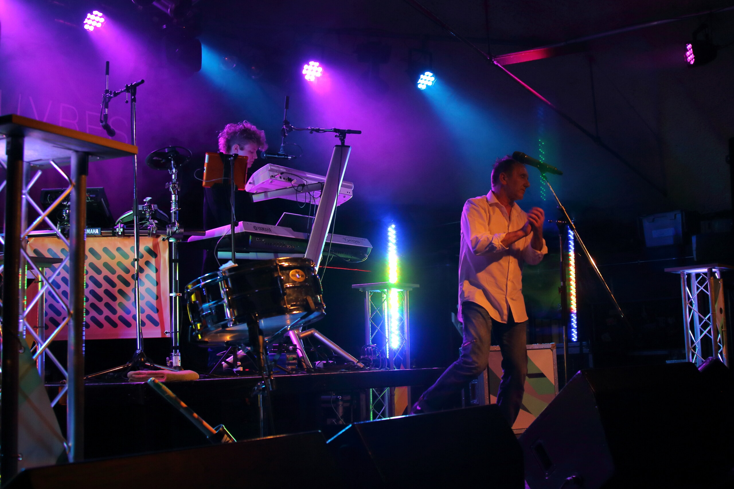Manoeuvres - Tribute to Orchestral Manoeuvres In The Dark